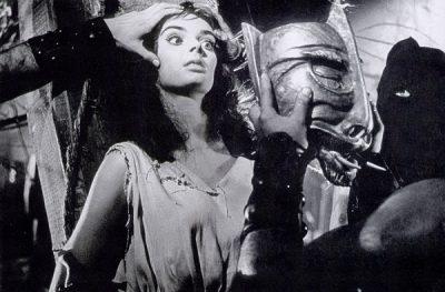 """Barbara Steele in """"Die Stunde, wenn Dracula kommt"""" (Foto: Koch Media)"""